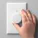 El atenuador inalámbrico Aurora utiliza la tecnología Zigbee para comunicarse con las bombillas inteligentes