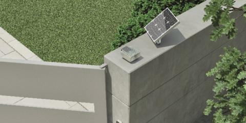Solemyo, el kit de placa fotovoltaica para el accionamiento de puertas de garaje y cancelas