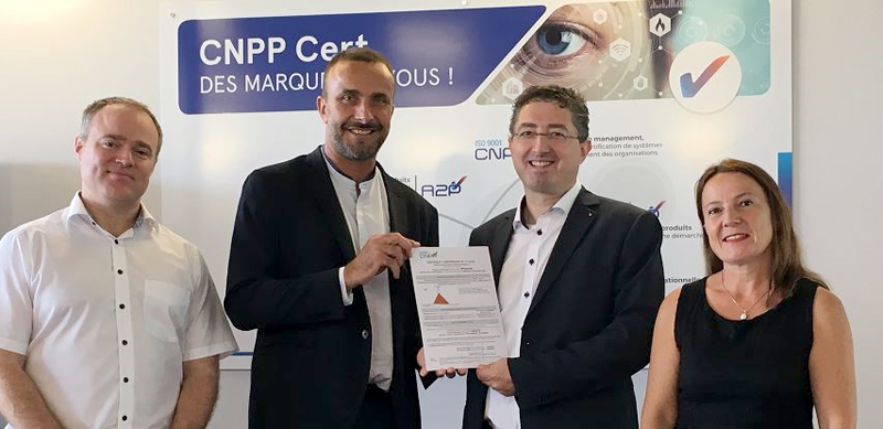 Entrega del certificado CNPP a Mobotix.