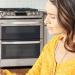 Los comandos de voz ofrecen accesibilidad universal para controlar los electrodomésticos conectados