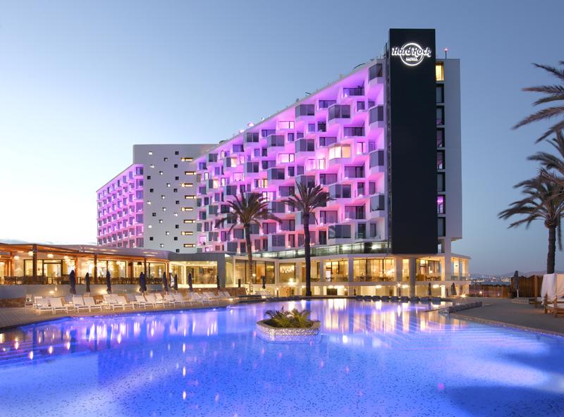 Fachada del Hard Rock Hotel Ibiza.