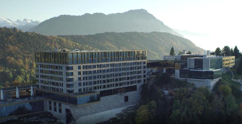 Vista panorámica del hotel Bürgenstock Resort.