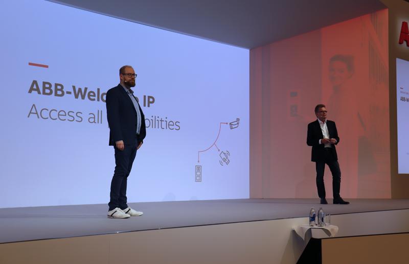 Alexander Grams, Global Head of Marketing Communications; y Adalbert Neumann, Global Head od Marketing and Sales.
