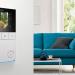 El videoportero de interior DoorBird incorpora la función de ahorro de energía y un historial de visitas
