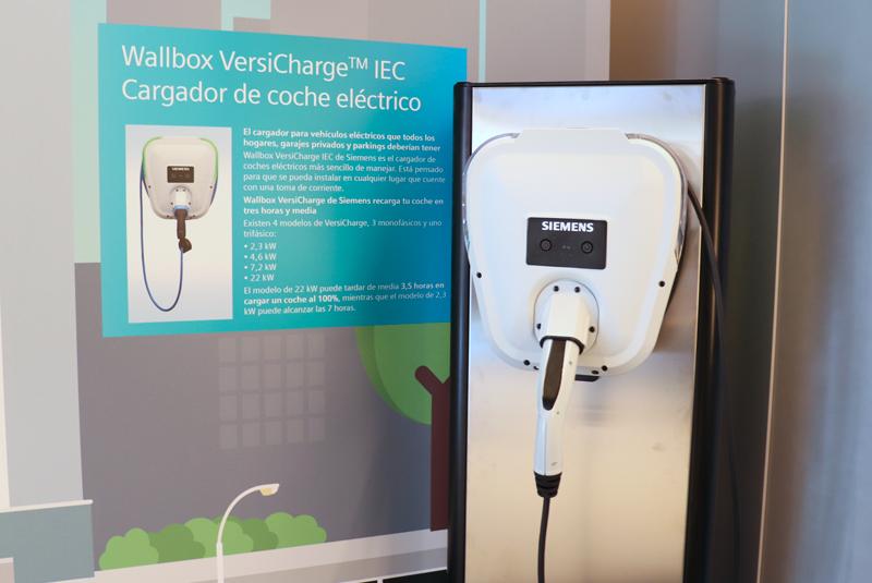 Cargador Wallbox VersiCharge de Siemens para vehículos eléctricos.
