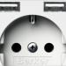 La toma Schuko con cargadores USB de Hager reparte la corriente entre las tres salidas de carga