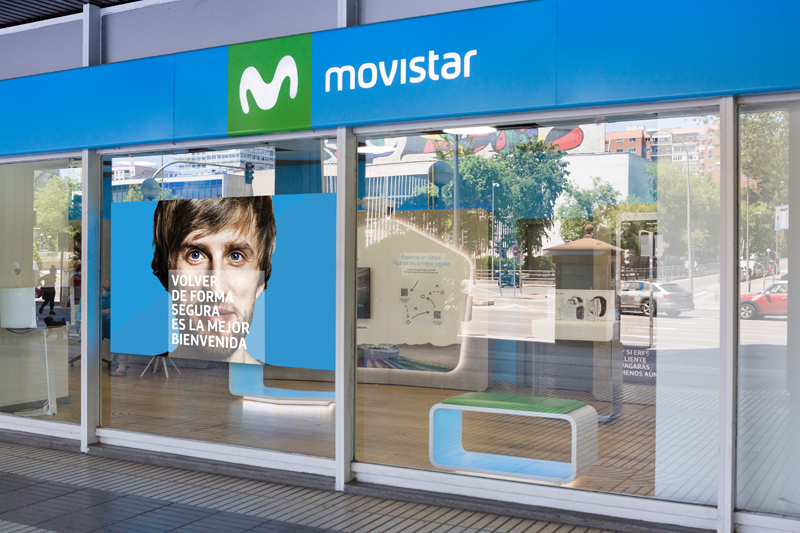 Entrada de una tienda de Movistar