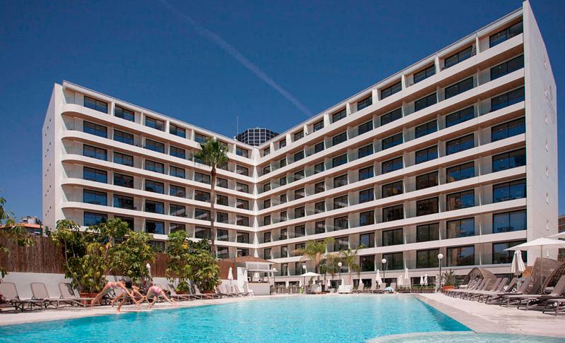 Fachada Hotel Presidente de Benidorm.