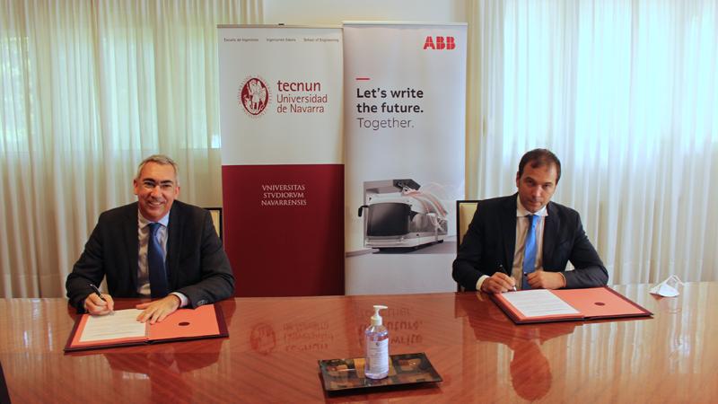 Acto de la firma entre ABB y Tecnun.