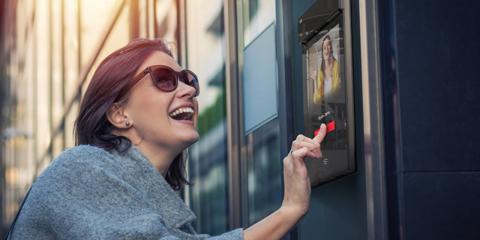 Disponible en el mercado el nuevo intercomunicador 2N IP Style con pantalla táctil y videocámara