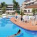 La pantalla táctil Qvadis One gestiona el control de accesos en las piscinas comunitarias