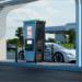 El nuevo cargador rápido de VE de ABB dispone de distribución dinámica de la energía